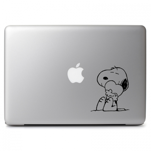 Peanuts Snoopy Hugging Heart Love - Apple Macbook Air Pro 11